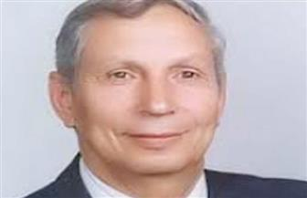 خالد عبد الغفار يتلقى تقريرا حول حصول عالم مصري على جائزة بالمملكة المتحدة