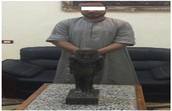 ضبط شخص بحوزته تمثال أثري في سوهاج