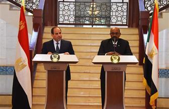 الرئيسان السيسي والبشير يناقشان القضايا الإقليمية وسبل تعزيز المشروعات التنموية والاستثمارية المشتركة