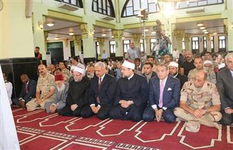 وزير الأوقاف والمفتي يؤديان صلاة الجمعة في مسجد الشهيد عبدالوهاب سعيد بالسويس