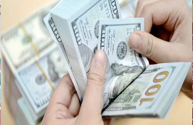تراجع جديد للورقة الخضراء.. أسعار الدولار اليوم الأحد 17-2-2019 في البنوك الحكومية والخاصة -