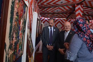 رئيس جامعة الزقازيق يتفقد معرضا للأنشطة الطلابية والفن التشكيلي عن نصر أكتوبر| صور
