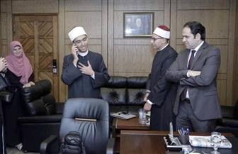 مستشار شيخ الأزهر يوجه رسالة تشجيع للفائز بتحدي القراءة العربي في مصر  صور
