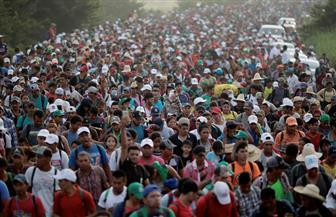 """مكسيكو سيتي تكرم المهاجرين في """"يوم الموتى"""".. والآلاف يواصلون الزحف شمالا"""