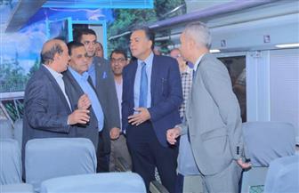 وزير النقل يشهد استلام أول دفعة من عربات البضائع المخصصة لنقل الحاويات | صور