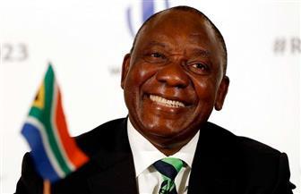 """رامافوزا يؤدي اليمين الدستورية.. ويعد جنوب إفريقيا بـ""""أيام أفضل"""""""