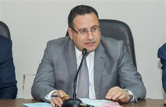 محافظ الإسكندرية يوجه بتكثيف أعمال النظافة ورفع الأتربة من الشوارع والميادين