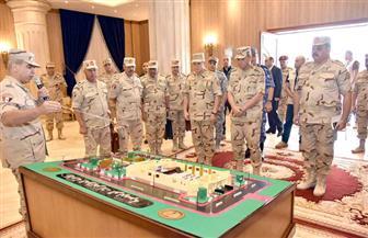 """وزير الدفاع يكرم """"حماة السماء"""" ويفتتح عددا من منشآت الدفاع الجوي بعد تطويرها"""