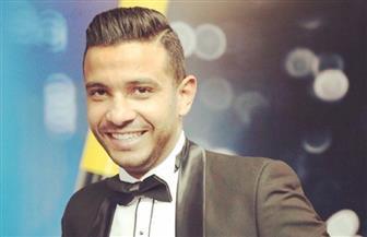 """محمد حسن يتخطى المليون مشاهدة بـ""""سألت الناس"""" من ألبومه الجديد"""