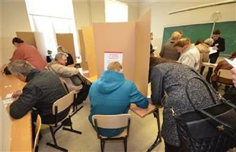 لاتفيا تجري انتخابات برلمانية وسط توقعات بإعادة رسم المشهد السياسي