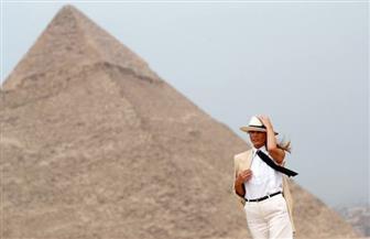 سيدة البيت الأبيض والمستشارة والبرغوث وصانع الكوميديا.. مشاهير في حضرة الأهرامات | صور