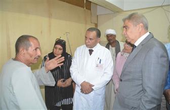 محافظ المنيا يتابع أعمال تطوير وإنشاء مستشفى ملوى العام ويتفقد المبنى القديم