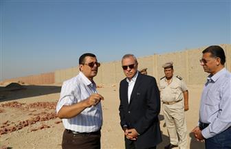 محافظ قنا يتفقد وحدة المرور وكورنيش النيل في نجع حمادي | صور