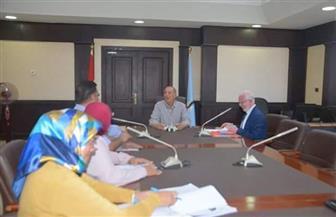 محافظ البحر الأحمر يناقش قرار تفعيل لجان المساءلة المجتمعية لتكافل وكرامة بالمحافظة | صور
