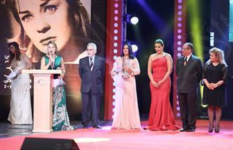انتهاء حفل ختام مهرجان الإسكندرية السينمائى.. والفائزون يلتقطون الصور التذكارية