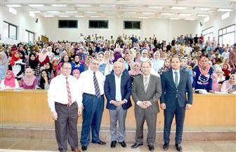 محافظ بورسعيد يحذر طلاب الجامعة من حرب الشائعات ضد الدولة| صور