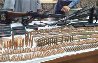 أمن أسوان يضبط 7 عاطلين بحوزتهم أسلحة نارية ومخدرات