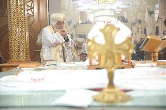 البابا تواضروس في أربعين الأنبا بيشوي: حياته انقسمت لـ4 مراحل.. ونودعه بفرحه |صور