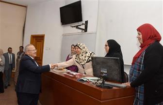 جولة مفاجئة لرئيس جامعة القاهرة لمتابعة انتخابات الطلاب | صور