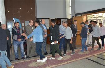 قيادات جامعة الفيوم تتلقى العزاء في طالبة كلية الآداب|صور