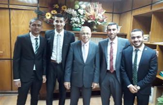 """نائب رئيس جامعة الأزهر يكرم الفائزين في معرض """"القاهرة تبتكر"""""""