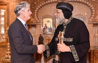 البابا تواضروس يستقبل سفيري بريطانيا وبيرو | صور