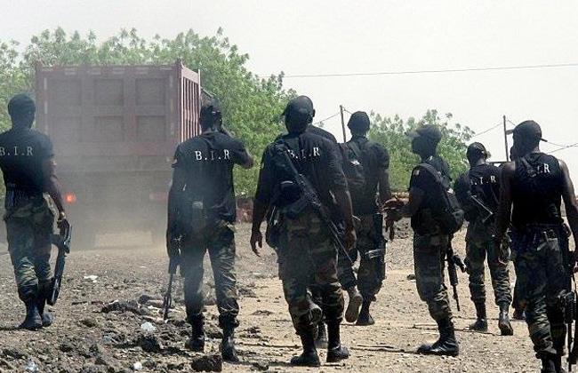 مقتل 4 أفراد شرطة بالكاميرون في تفجير تشتبه الحكومة بأن انفصاليين نفذوه -