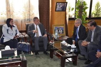 محافظ الإسماعيلية يناقش تطوير التعليم الفني مع نائب وزير التربية والتعليم
