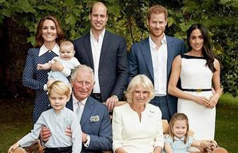 """الأمير تشارلز يلعب البيسبول ويعزف الموسيقى في احتفال """"العائلة الملكية"""" بعيد ميلاده"""