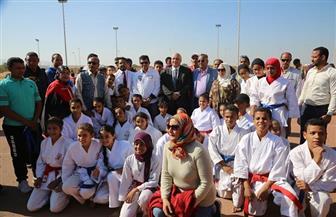 وزير الرياضة يفتتح مشروع اللقاءات الرياضية لطلاب المدارس بالمدينة الشبابية بالأقصر |صور