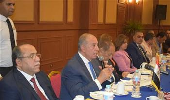 محافظ البحر الأحمر يبحث مع رئيس المجلس النيابي الصربي سبل الاستثمار السياحي بالغردقة