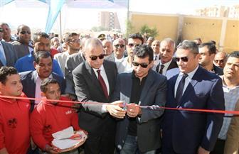 أهل نقادة يذبحون عجلا احتفاء بزيارة وزير الشباب والرياضة لقنا | صور