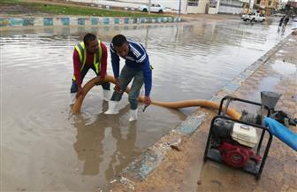 إصلاح مخرات السيول ونقل 11 أسرة إلي مساكن الإيواء بعد إنهيارمنازلهم بمطروح | صور