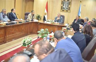 محافظ أسيوط يجتمع بأعضاء مجلس النواب لبحث الموقف التنفيذي لمشروعات مياه الشرب