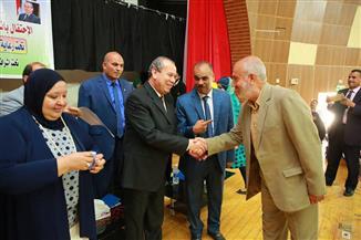 محافظ كفرالشيخ يكرم مدربي لجان المساءلة المجتمعية لبرنامج تكافل وكرامة | صور