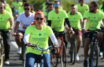 وزيرة البيئة تقود سباقا للدراجات لتطلق رسالة تناغم مع الطبيعة من شرم الشيخ