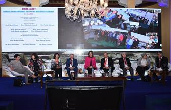 """اختتام فعاليات المؤتمر الدولي الثالث """"للطيور المهاجرة"""" في مجال الأورام بالأقصر"""