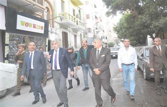 محافظ المنيا يتفقد عددا من الشوارع ويتابع إزالة الإشغالات