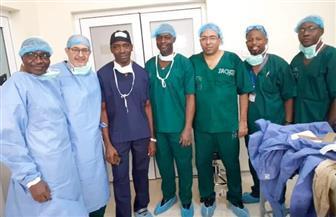 وزير الصحة النيجيري يكرم رئيس قسم جراحة العظام بطب الأزهر |صور