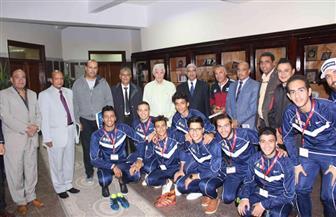 إجراء قرعة الدورة العربية الرابعة عشر لخماسيات كرة القدم بجامعة جنوب الوادي | صور