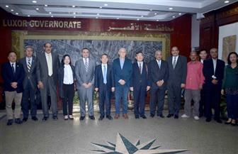 محافظ الأقصر يلتقي وفدا صينيا لتعزيز التعاون المشترك فى مجالات السياحة والتعليم | صور
