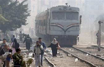 مصرع شاب صدمه قطار أثناء عبور القضبان في أسوان