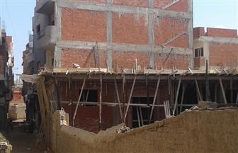 استبعاد رئيس وحدة محلية ومدير تنظيم بقطور بسبب مبنى مخالف | صور