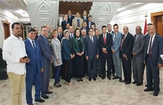 سفير مصر بالكويت يلتقي مع أبناء الجالية المصرية | صور