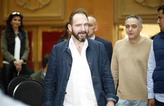 """النجم العالمي ريف فاينز يكشف كواليس فيلمه """"الغراب الأبيض"""" على هامش مهرجان القاهرة السينمائي"""