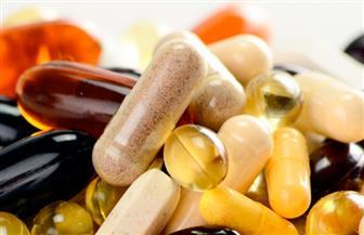 تعرف على مخاطر تناول الفيتامينات والمكملات الغذائية دون استشارة الأطباء