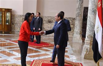 الرئيس يمنح وسام الرياضة لعدد من الأبطال الرياضيين   فيديو وصور