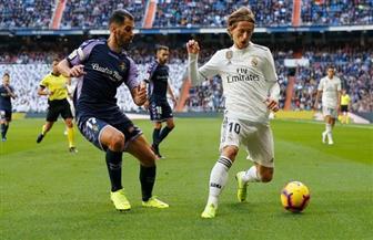 ريال مدريد يعود إلى نغمة الانتصارات بعد التغلب على بلد الوليد 2-0 بالدوري الإسباني