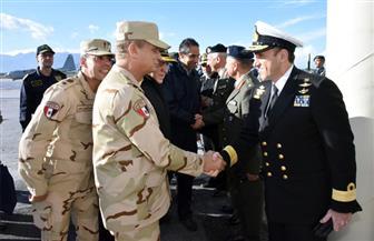 وزير الدفاع يعود  إلى أرض الوطن بعد زيارة رسمية لليونان