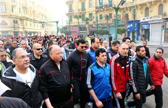 """وزير الشباب ومحافظ القاهرة يطلقون إشارة بدء """"ماراثون المشي"""" من ميدان عابدين   صور"""